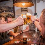 proosten bier taptafel eetcafé Taveerne Rabenhaupt Groningen